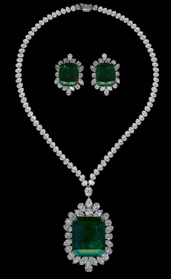 Chatila's - Emerald Necklace & Earrings