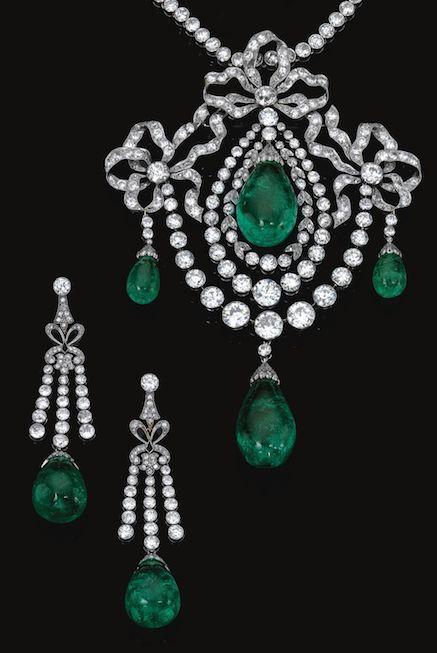 IMPORTANT EMERALD AND DIAMOND PARURE, CIRCA 1900