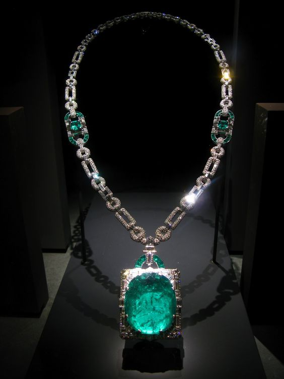 Art Deco Emerald Cartier 1931