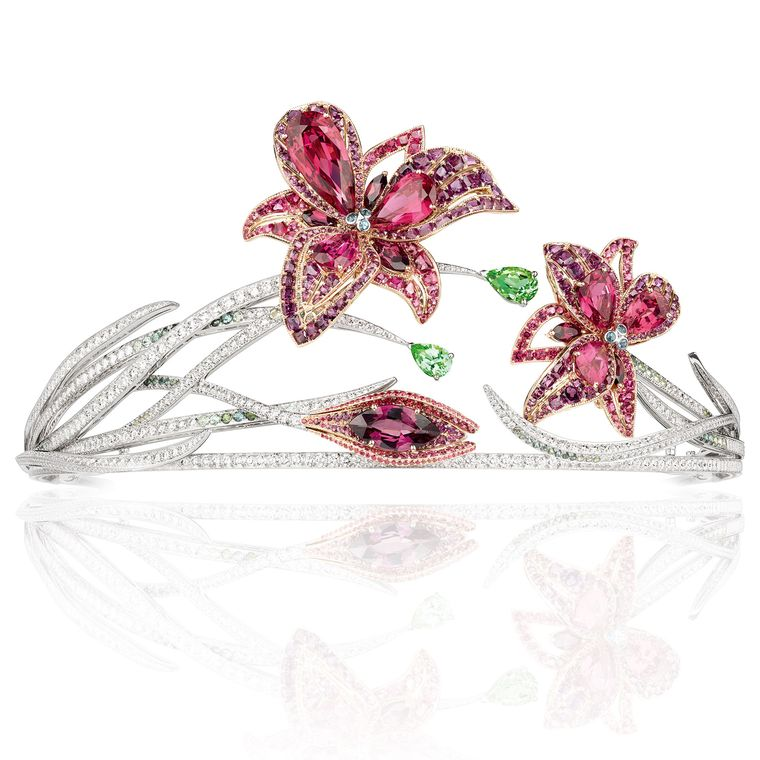 La Nature de Chaumet Passion Incarnat red spinel, garnet, tourmaline and diamond lily tiara. The lilies can be detached and worn as brooches