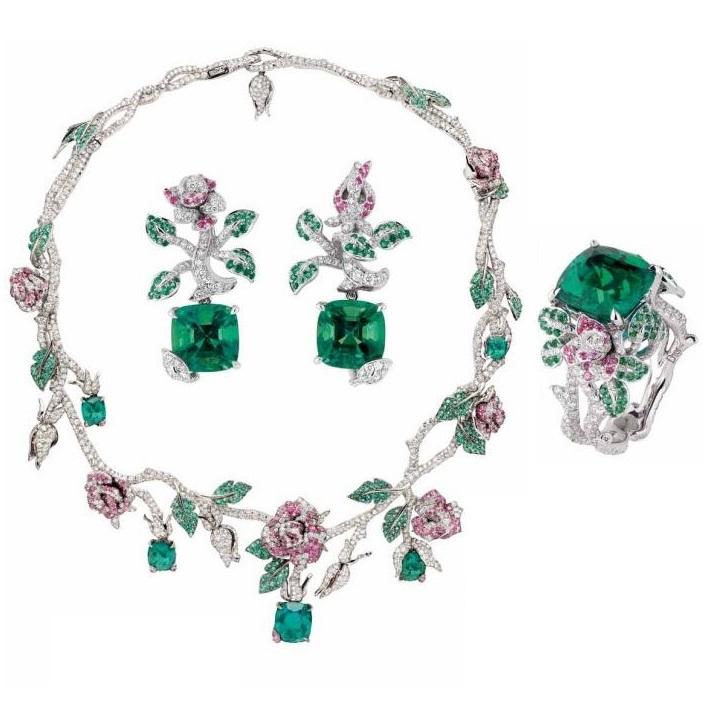 """Précieuses Rose"" necklace by Dior"
