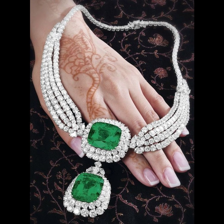 Gorgeous Emerald and Diamond Necklace