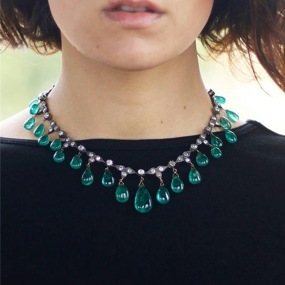 An Exquisite Antique Emerald Drops Necklace, late 19th century.