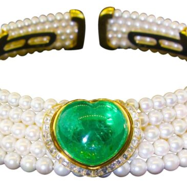 An Exquisite Heart Shaped Emerald, Diamond and Pearl Choker Necklace