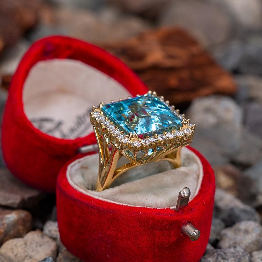 Vintage Aquamarine and Diamond Ring