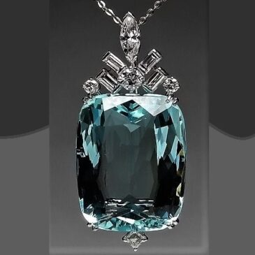 Gorgeous Vintage Aquamarine and Diamond Pendant