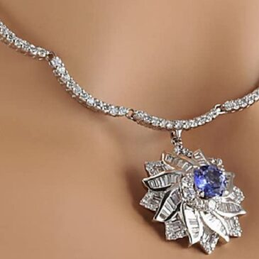 An Exquisite 15 Carat Natural Blue Tanzanite and Diamond  White Gold Luxury Necklace