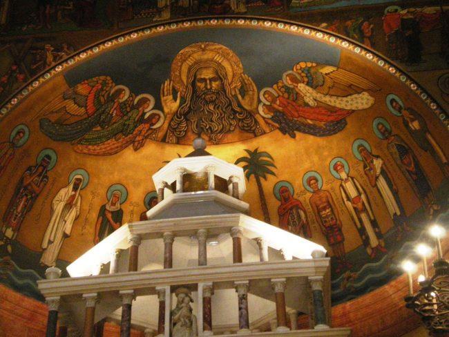 1280px-Altar_mural,_St._Andrew's_Church,_Pasadena