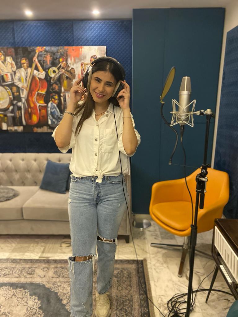 رولا قادري تستعد لإطلاق أولى أغنياتها الخاصة!