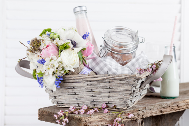 Gift hampers and baskets