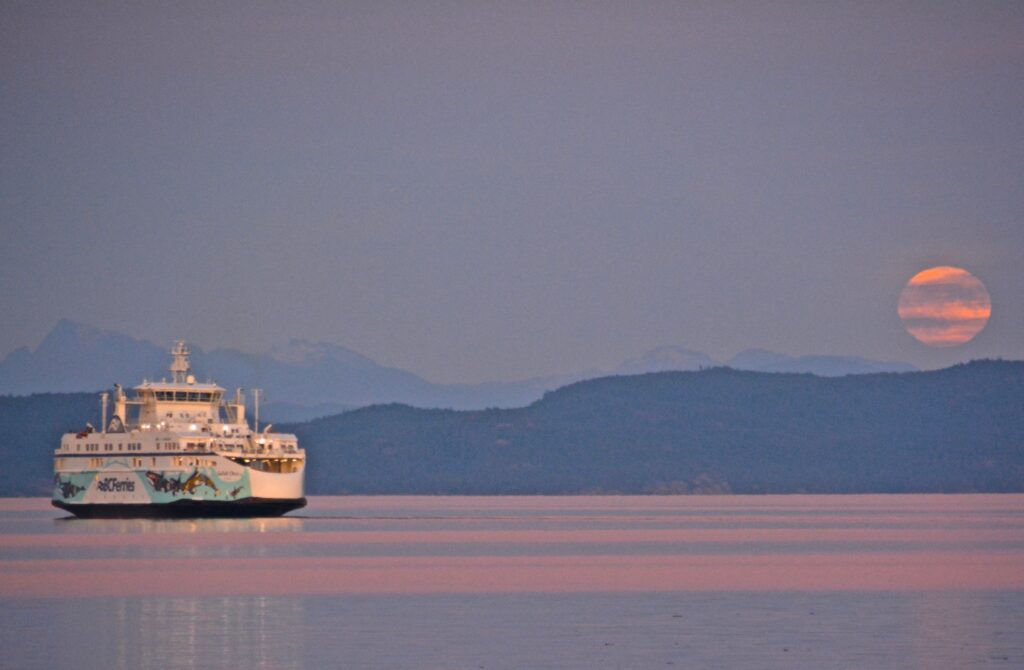 Full moon and the BC Ferries
