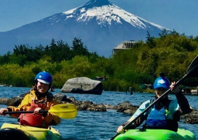 whitewater-kayak-roll-chile-tolten-river