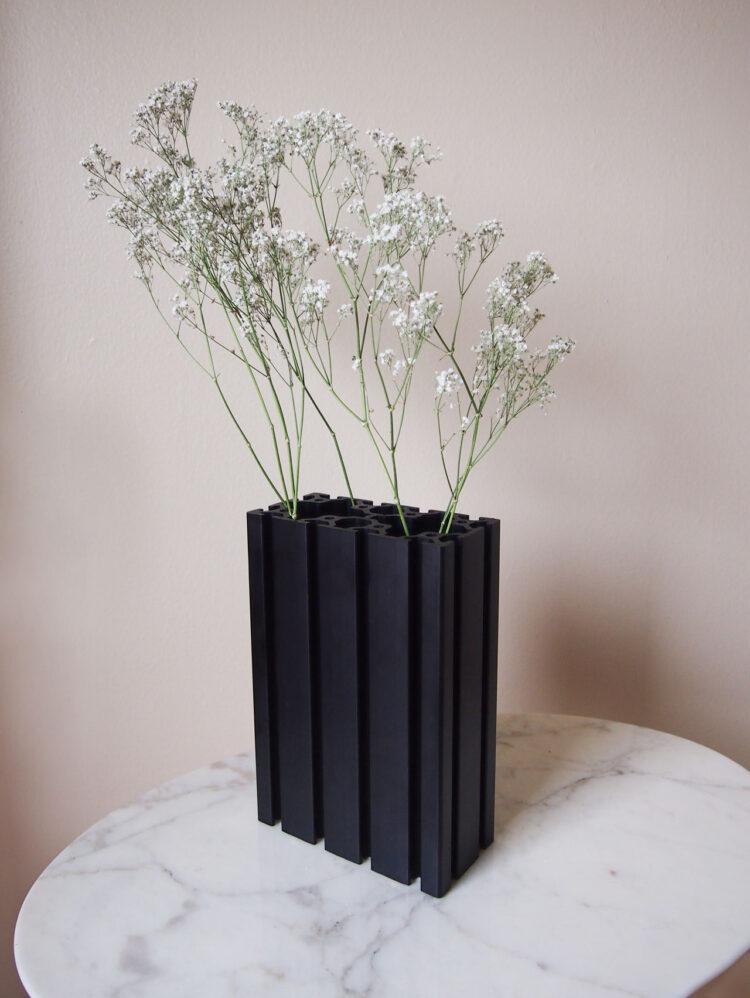 DIY extrusion vase designed by Aandersson