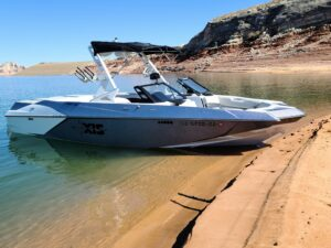 Wakesurf rental at Lake Powell