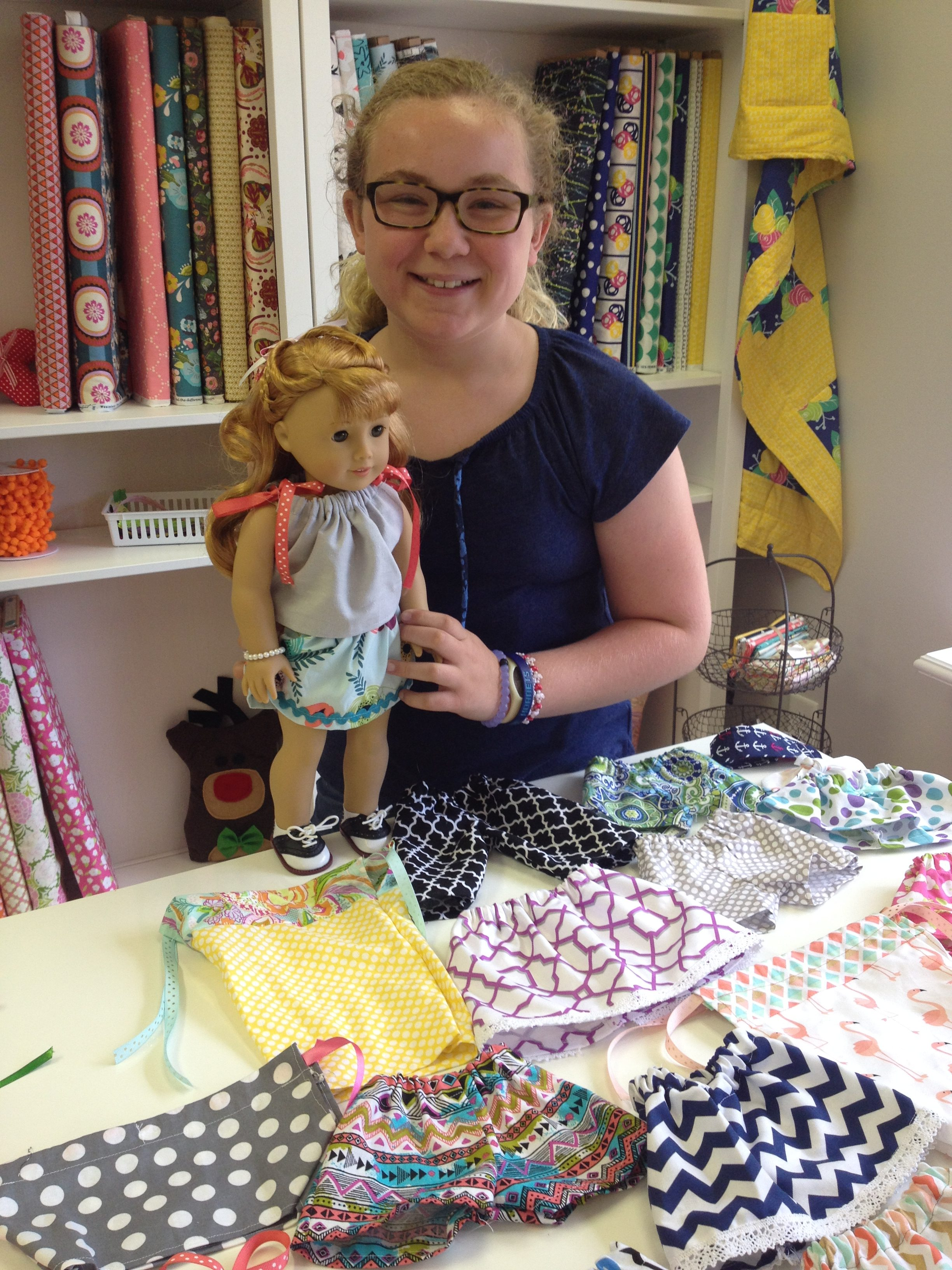 Simple Skirt Tutorial :: 18″ Doll Clothes
