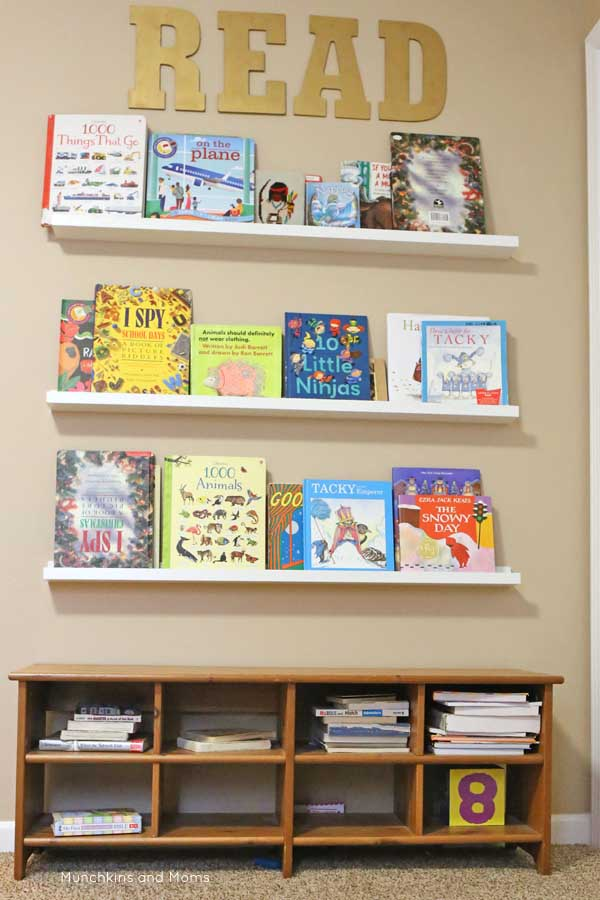 A homeschool room that looks neat and modern! Inspiration for homeschool room set-up.