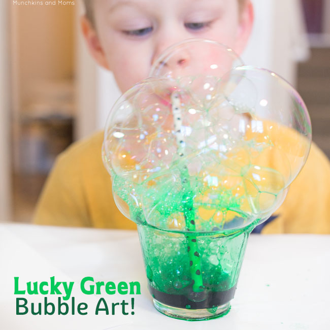 Make festive green bubble prints with your preschoolers! These prints come out so awesome and are really easy to do!