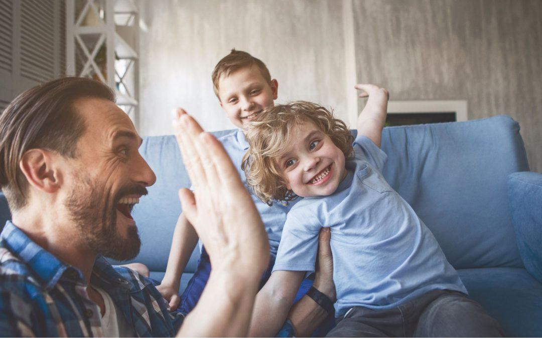 Crianza positiva: qué es, qué no es y sus pautas.
