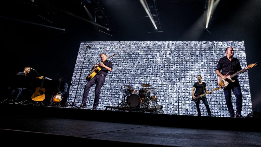Bryan Adams Shine A Light Tour