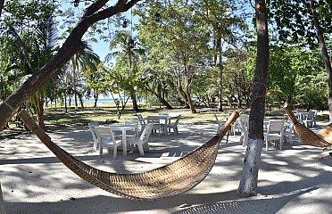 Casa Aura's: Beachfront Premium Hostel / B&B