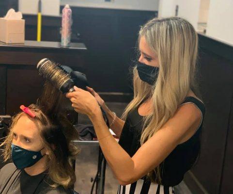 Salon-Stylist-Styling-Hair