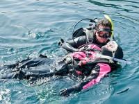 Rescue diver tow