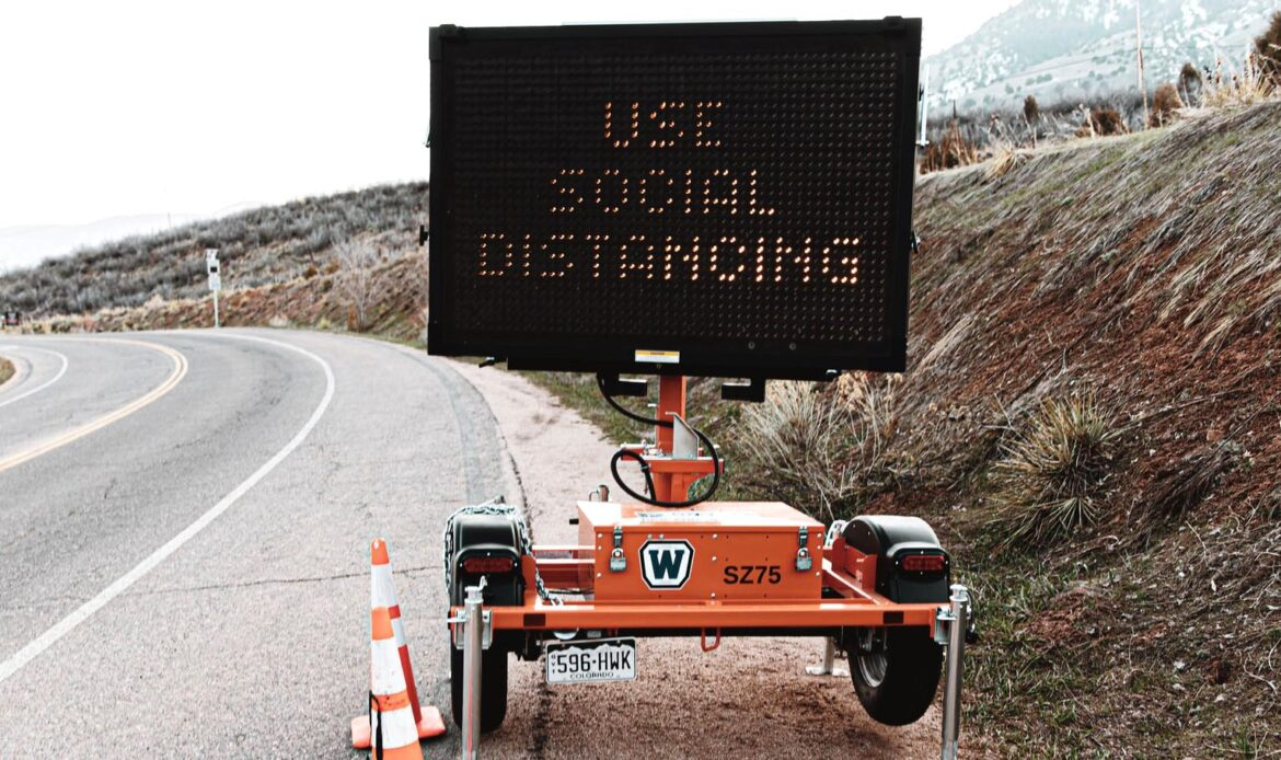sign use social distancing