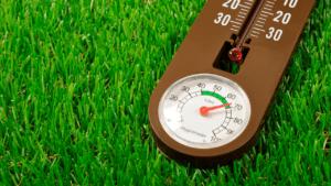 hygrometer measuring humidity in air