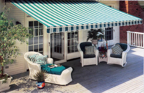 retractable-awning-