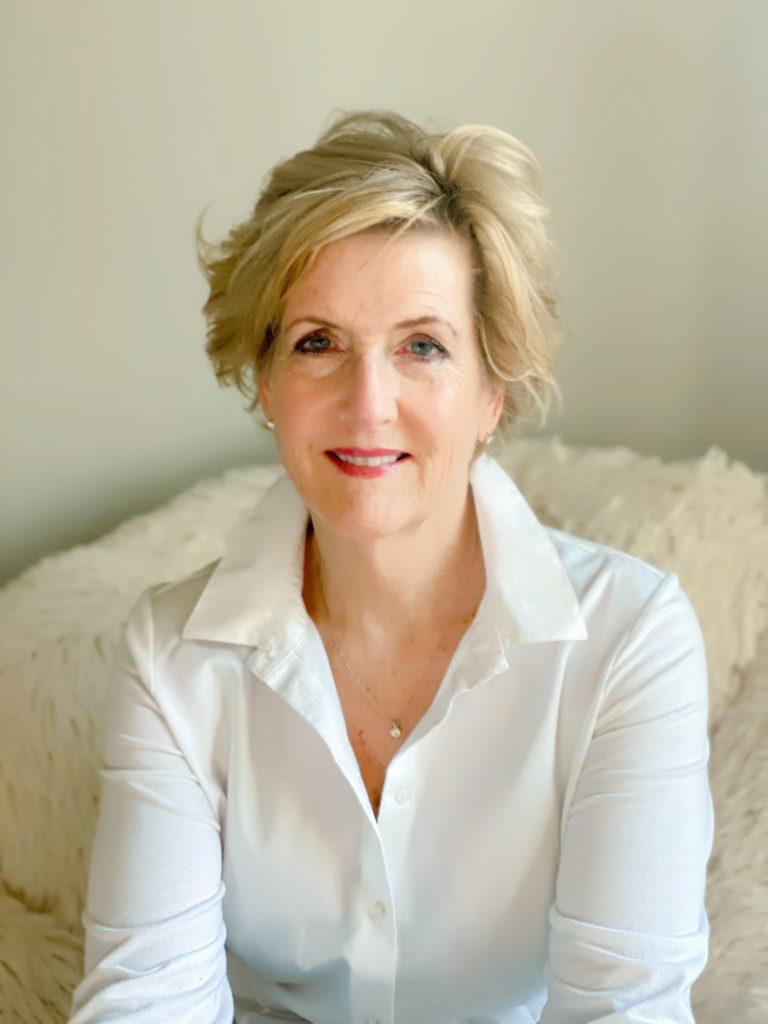 Headshot/Profile Photograph of Cynthia Ezell