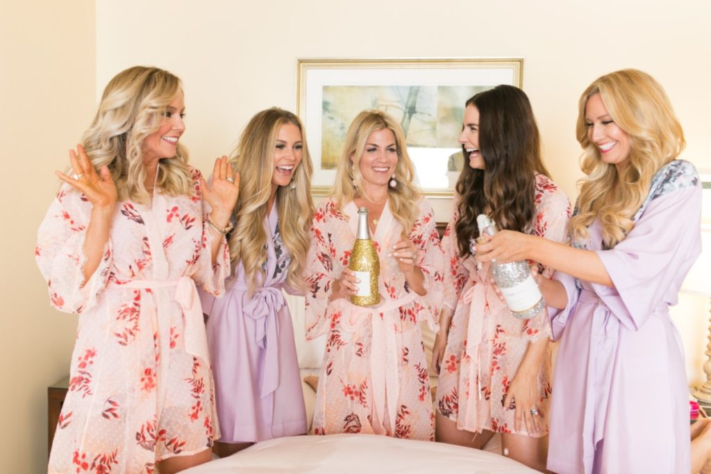 The Importance of Female Friendships: 5 Reasons Why Women Need Girlfriends by lifestyle blogger Sara of Haute & Humid