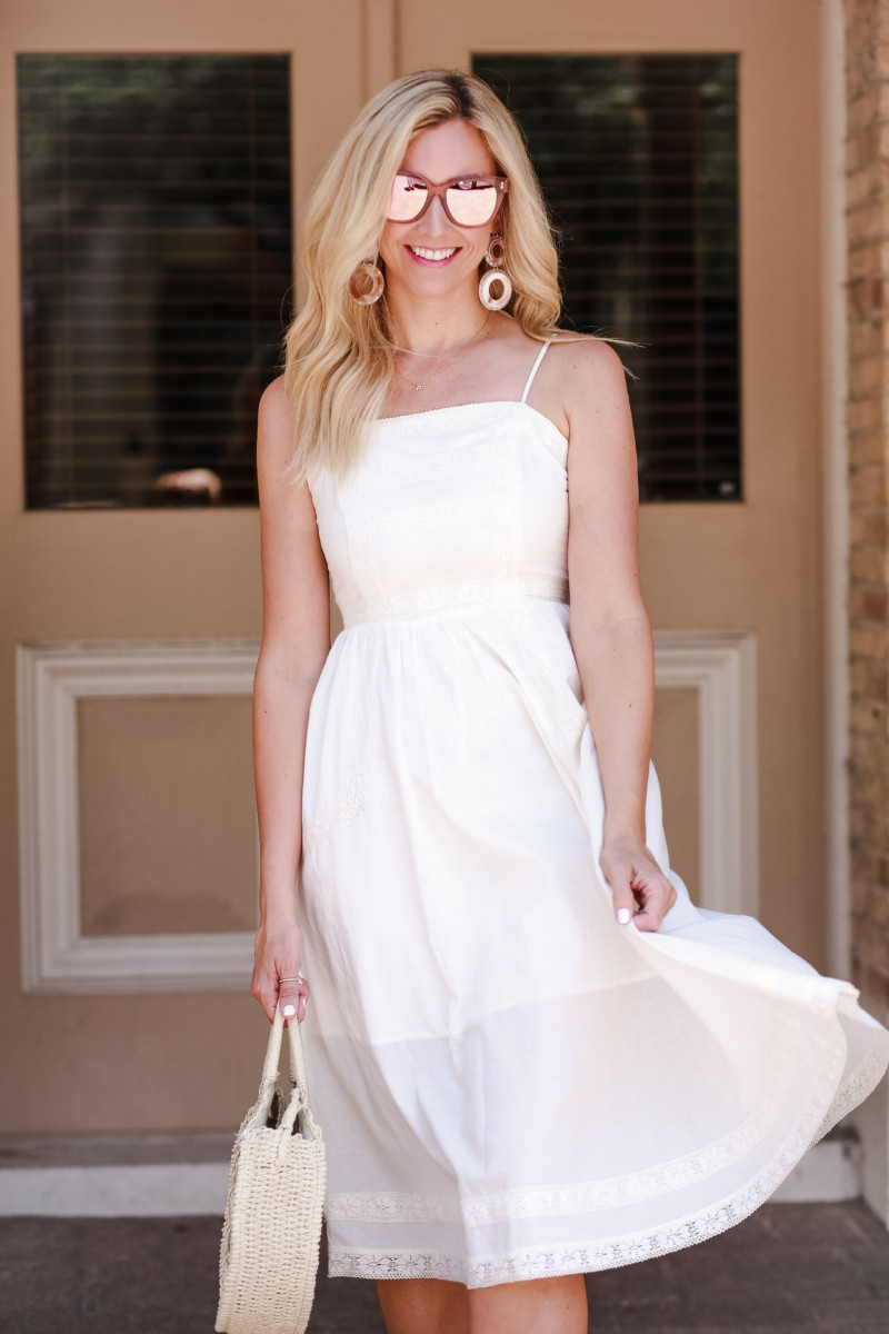 summer dresses - 12 Grab and Go Cute Summer Dresses featured by popular Houston style blogger, Haute & Humid