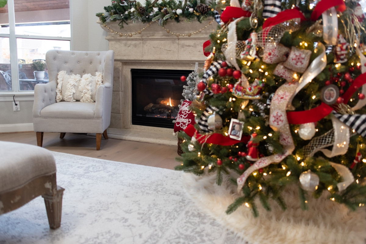 christmas home decor | Holiday Home Tour: Festive Christmas Home Decor featured by top Houston life and style blog Haute & Humid