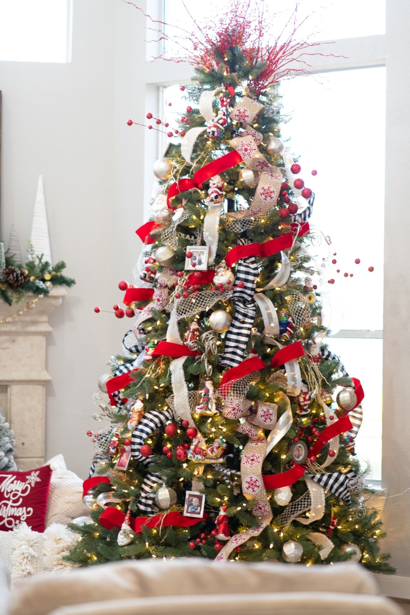 christmas tree | Holiday Home Tour: Festive Christmas Home Decor featured by top Houston life and style blog Haute & Humid