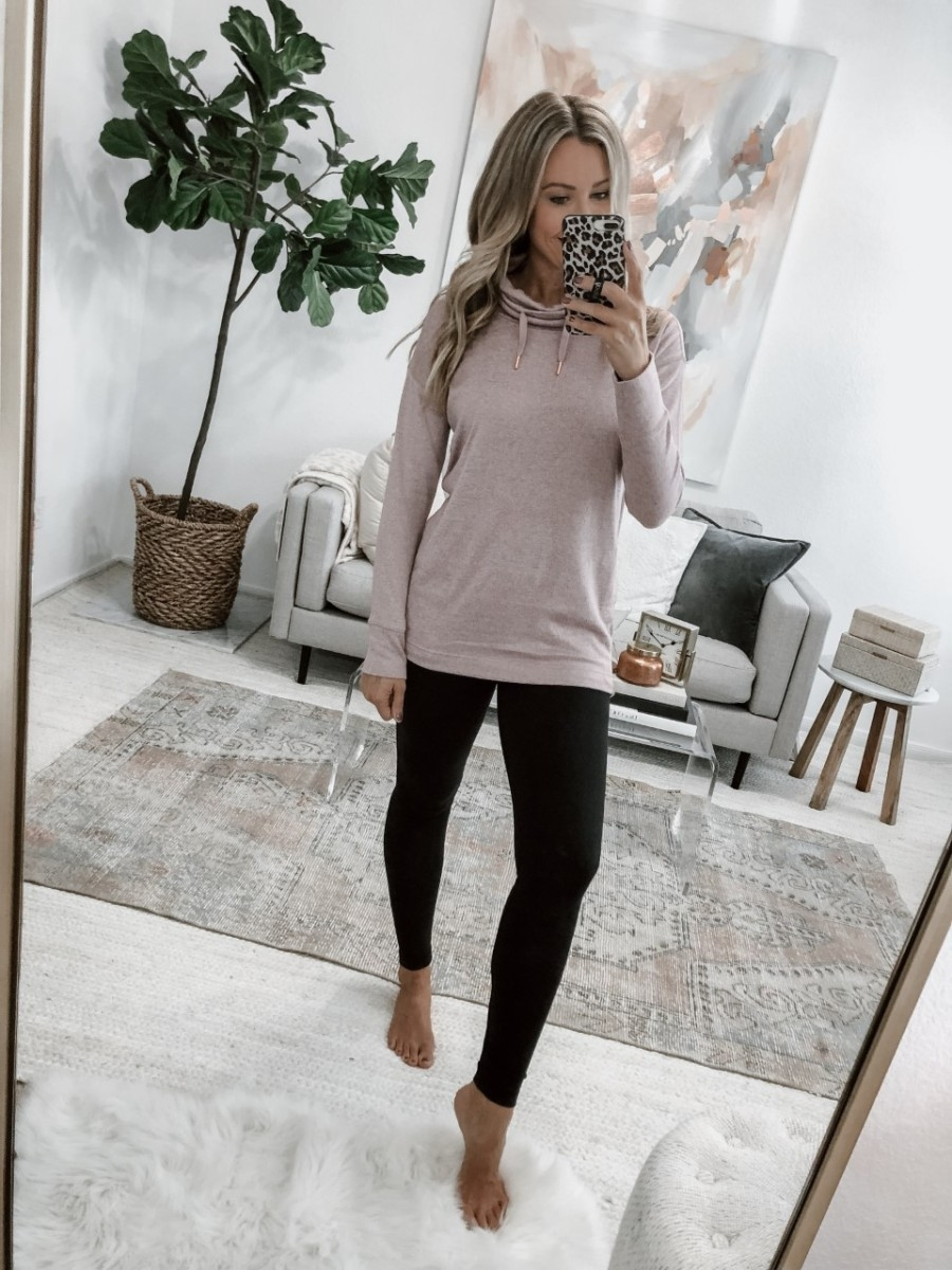 tunic top | 5 Best Amazon Leggings Reviewed And Rated by popular Houston fashion blog, Haute and Humid: image of a woman wearing Amazon Fengbay High Waist Yoga Pants, Pocket Yoga Pants Tummy Control Workout Running 4 Way Stretch Yoga Leggings and Old Navy Sweater-Knit Mock-Neck Tunic Sweatshirt for Women.