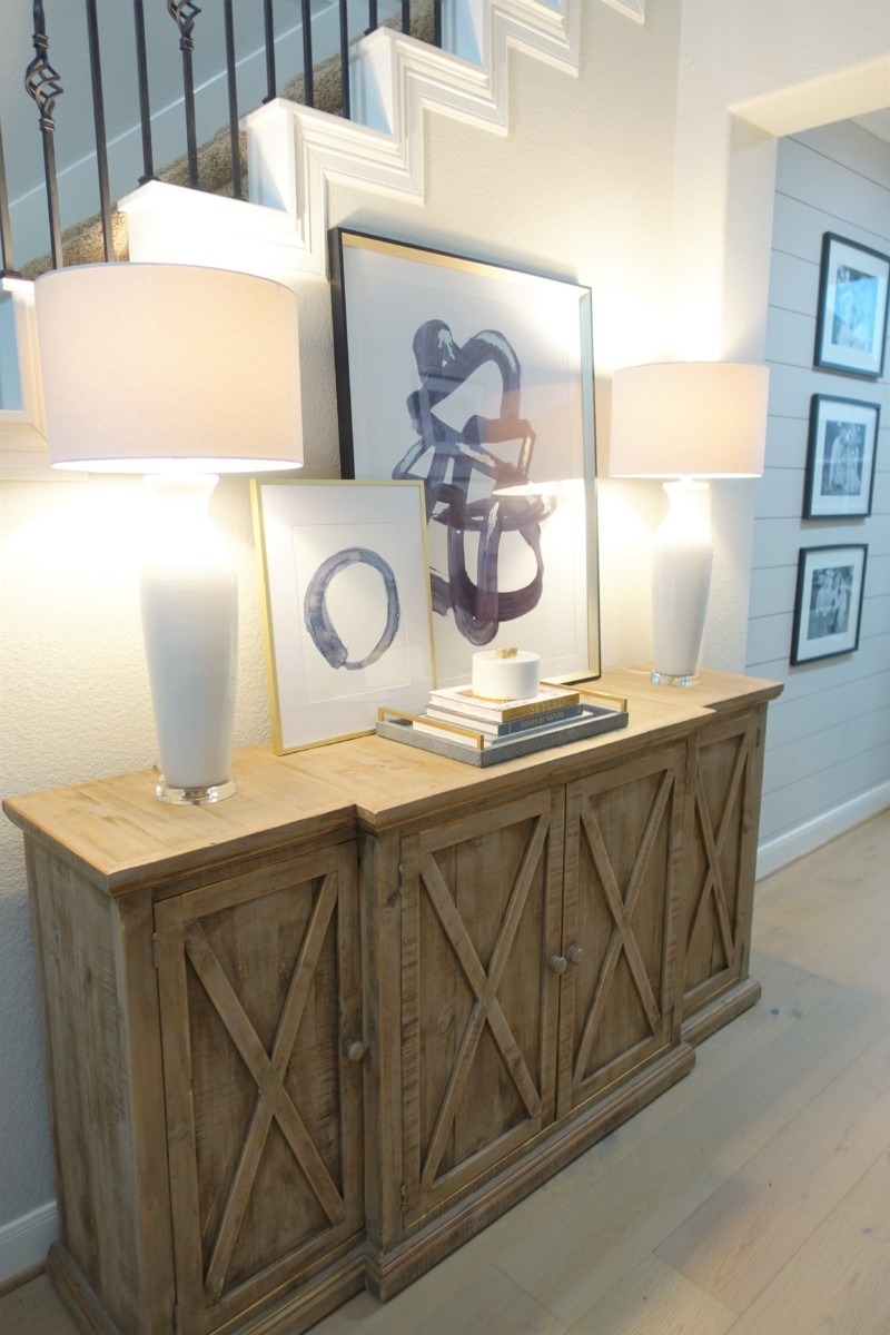 entryway decor | Living Room Makeover by popular Houston lifestyle blog, Haute and Humid: image of a remodeled entryway.