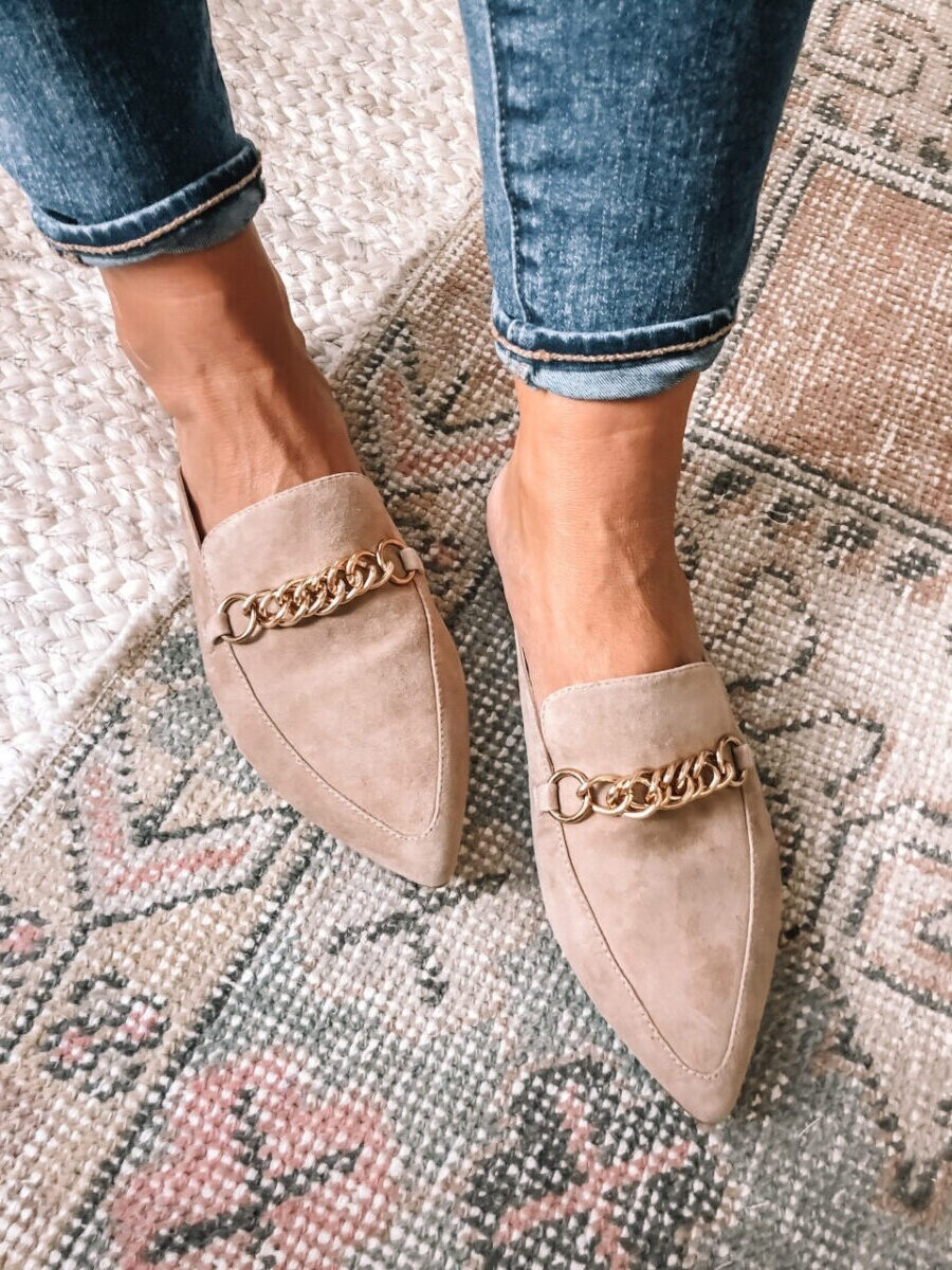 nordstrom anniversary sale shoes | Nordstrom Anniversary Sale by popular Houston fashion blog, Haute and Humid: image of a woman wearing a pair of Nordstrom tan suede mules with a gold chain link detail.