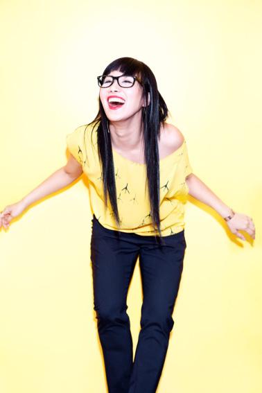 vivian-yellow-shirt