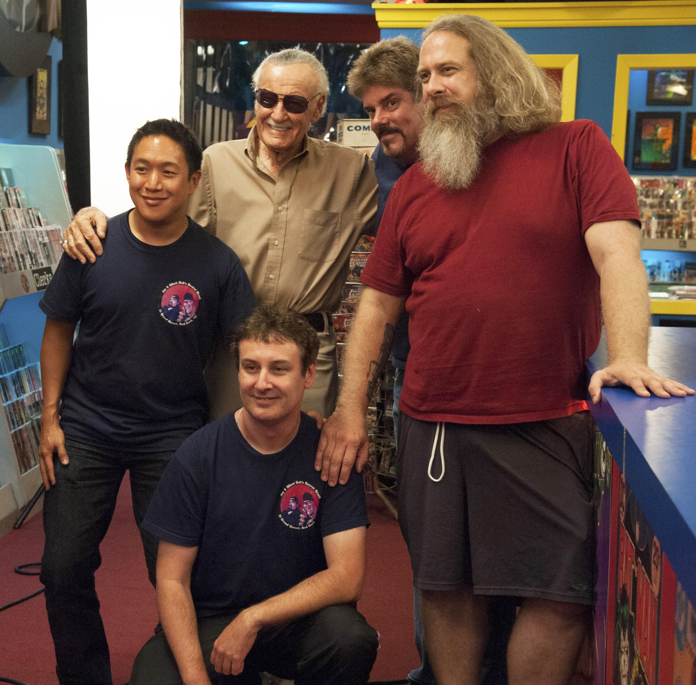 AMCs Comic Book Men Return for more Circus Seal Shannigans