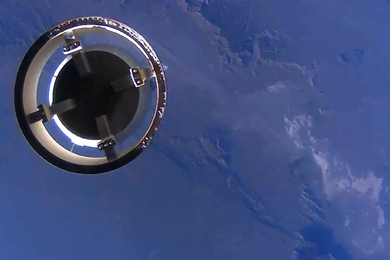 The New Shepard crew capsule separates from the propulsion module and continues its ascent to 307,000 feet before returning to Earth for a classic landing under parachutes. Photo credit: Blue Origin