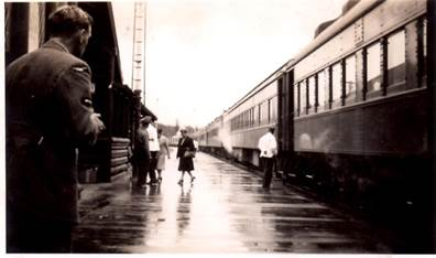 Lake Louise Train Station, 1940s. Photo: D. Paterson.