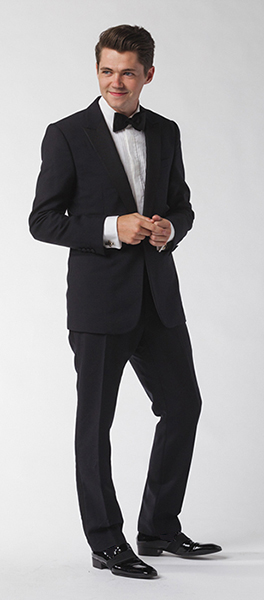 A dapper Damian at his photo shoot for the album cover. Photo: Damian McGinty