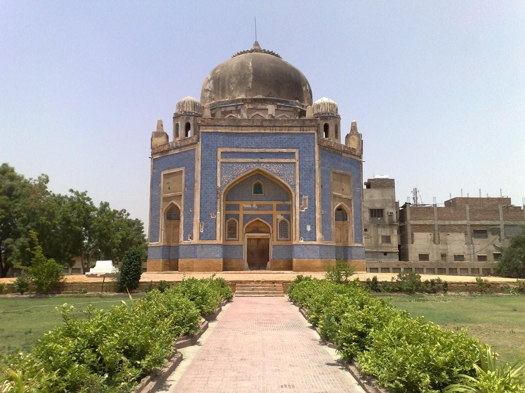 Kalhora Tombs