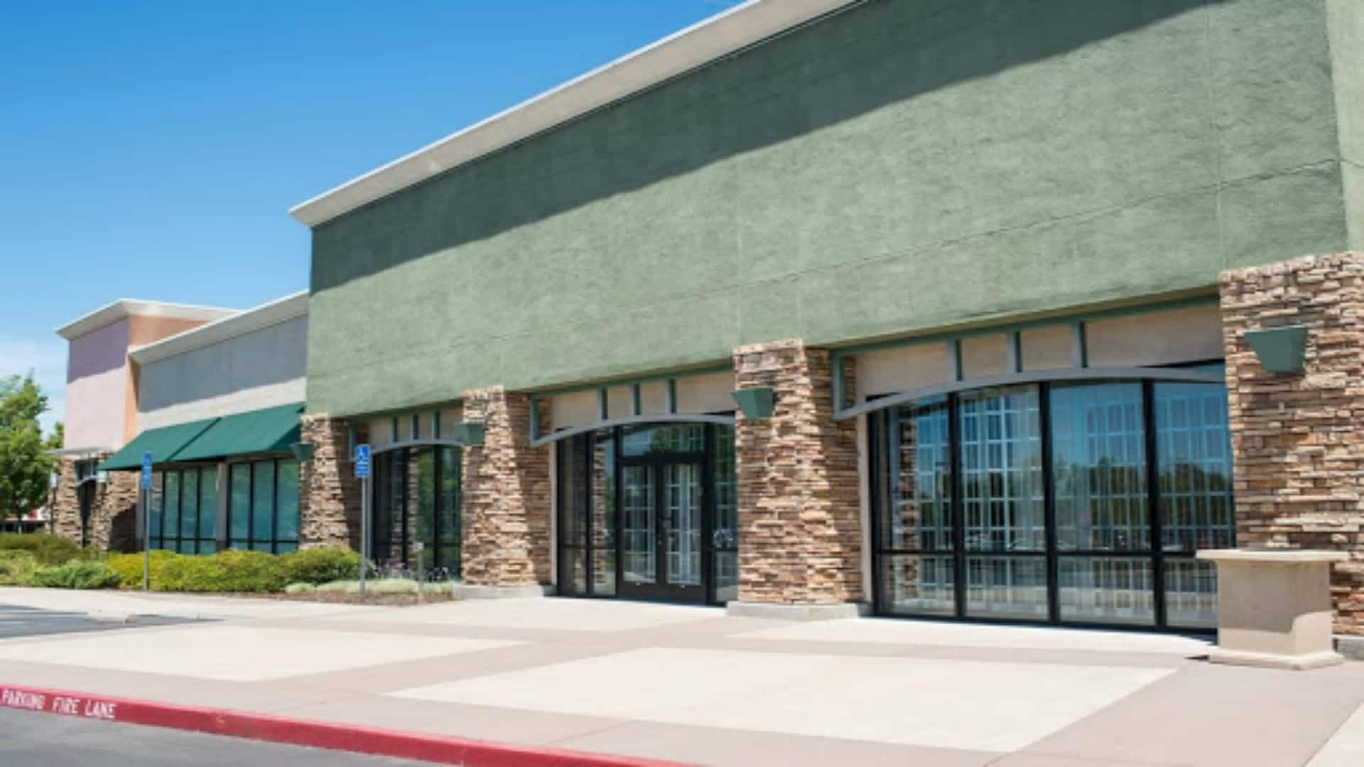 Commercial cleaning in PEARLAND