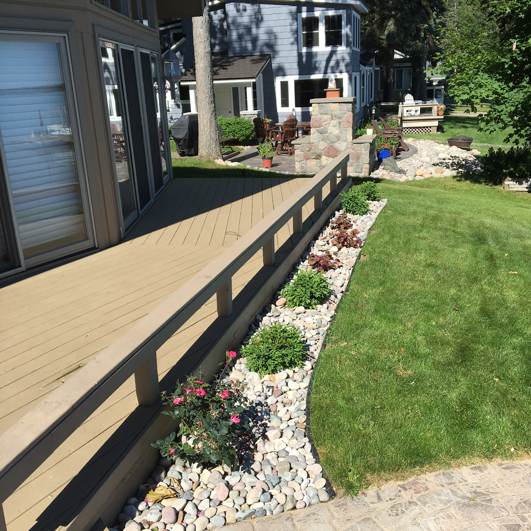 Natural stone deck border
