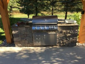 Outdoor grill paver bar