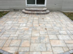 Brick paver patio and steps by Twin Oaks Landscaping