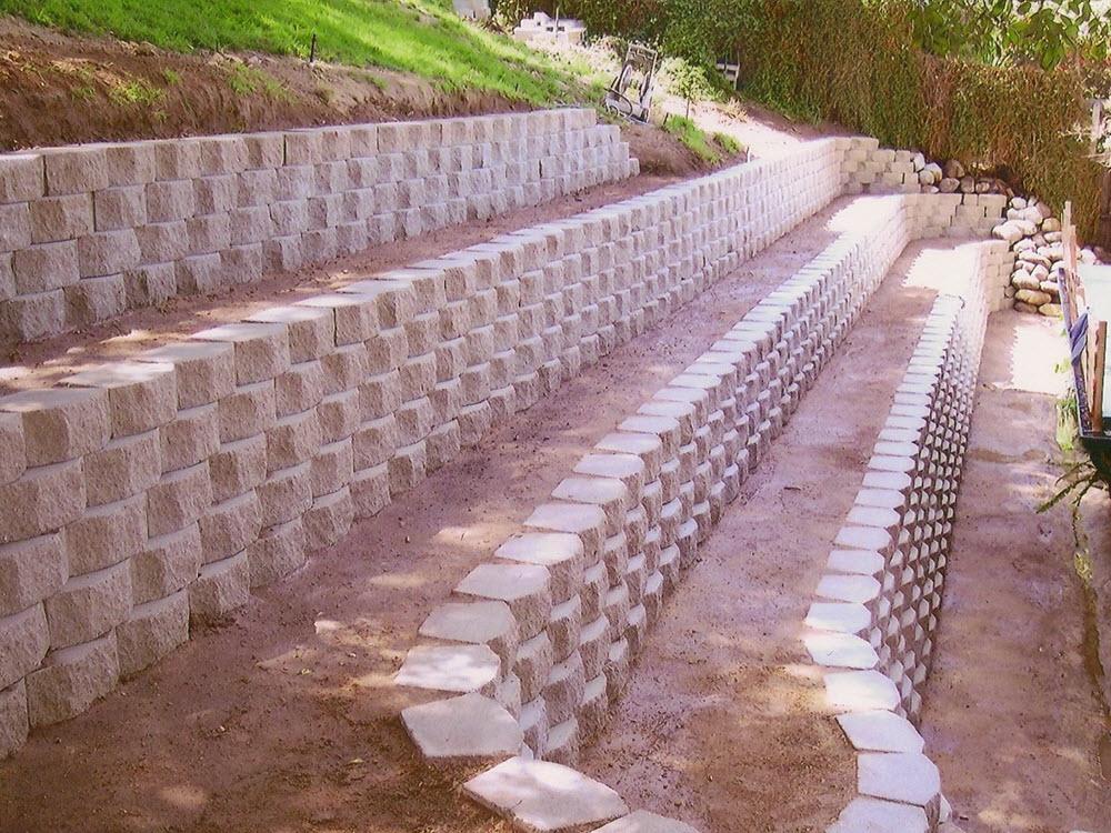 Ed's Landscaping Block Retaining Wall Installation