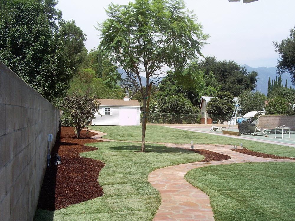 Ed's Landscaping Flagstone walkway