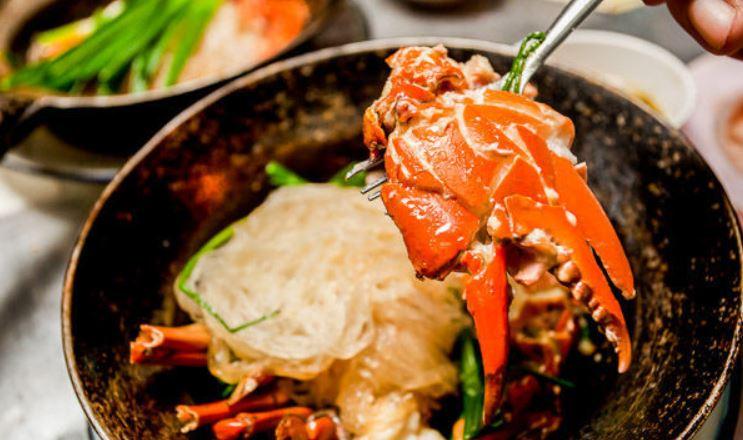 5 ร้านสตรีทฟู้ดเจ้าเด็ดที่ต้องลิ้มลอง กินอะไรดี เมนูอาหาร ร้านอาหารอร่อย Nightlife รีวิวคาเฟ่ ร้านอาหาร-คาเฟ่ ที่กิน-ที่พัก แนะนำร้านอาหาร อาหาร-สุขภาพ savourworld.com 5 ร้านสตรีทฟู้ด